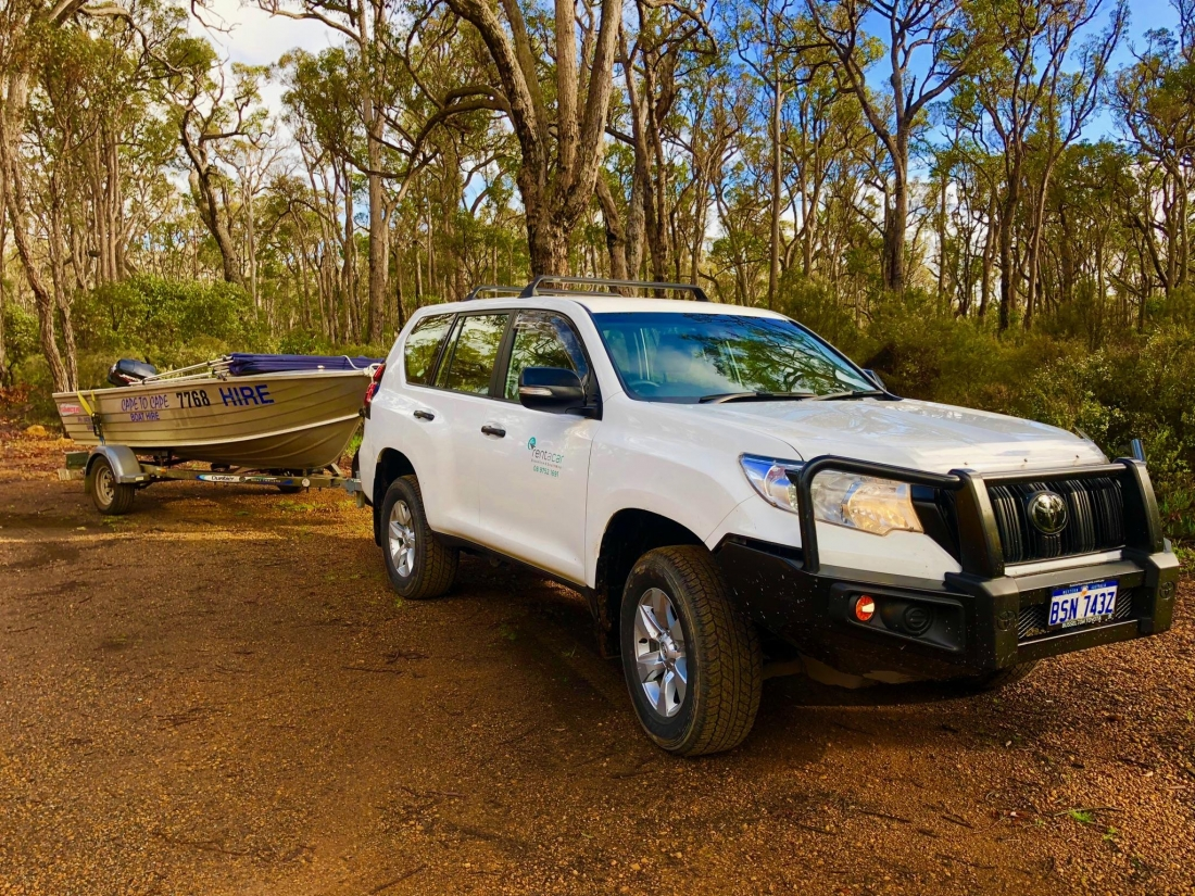 Landcruiser Prado 7 seater automatic turbo diesel & boat package