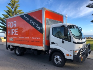 300 Removal truck, hydraulic tail lift, automatic, turbo diesel.